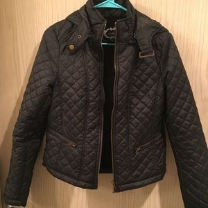 Black Quilted Zip Up Puffer Jacket w/ Hood